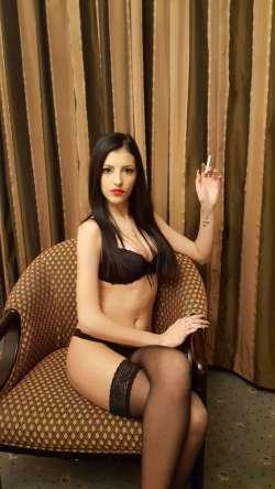 LauraVaxxx City Of London Italian Female escort, Available Today