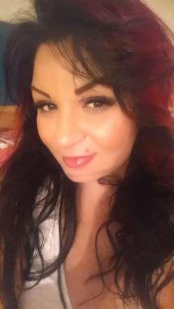 mistress ynna Luton Bulgarian Female escort, Available Today