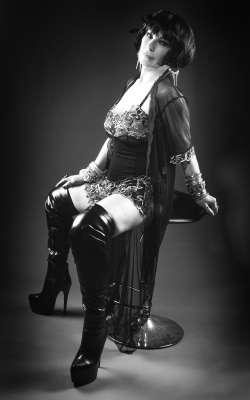 Mistress Elizabeth Payne Mistress - North West