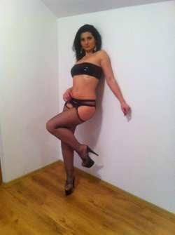 GYULIA Edinburgh Italian Female escort, Available Today