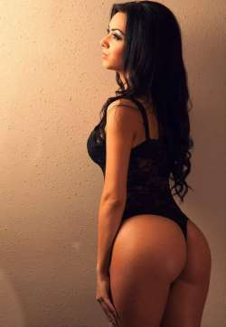 Roxy Stoke-on-Trent Brazilian Female escort, Available Today