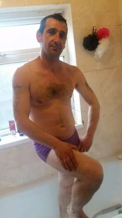 JHON from Luton Romanian - Male Escort