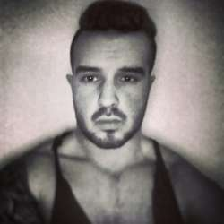 Sam from Rugby English - Male Escort