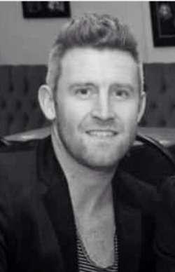 Elliott from Derbyshire English - Male Escort