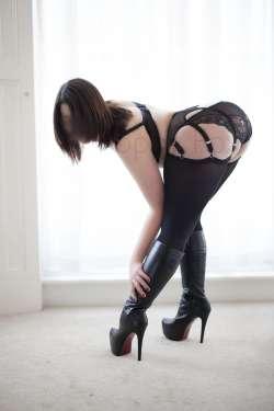 Poppy Fox Central London English Female escort, Available Today