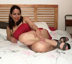 Naty latina Leeds Mexican Female escort, Available Today, 103011