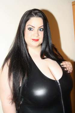 Flory Leicester Romanian Female escort, Available Today
