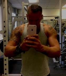 Anthony from Folkestone English - Gay Male Escort, 85185