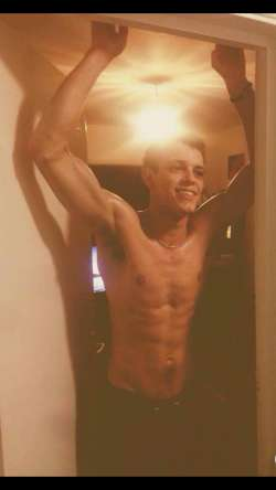 haderz from Portsmouth English - Male Escort