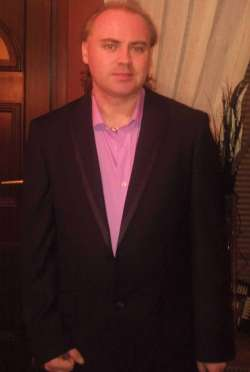 Captain from Rotherham English - Male Escort